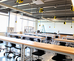 image of RWU's newly completed  SECCM Labs' Fluid Mechanics Lab