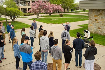 students visiting campus