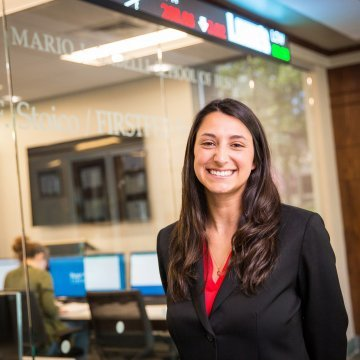 Finance alumna obtains industry experience on campus